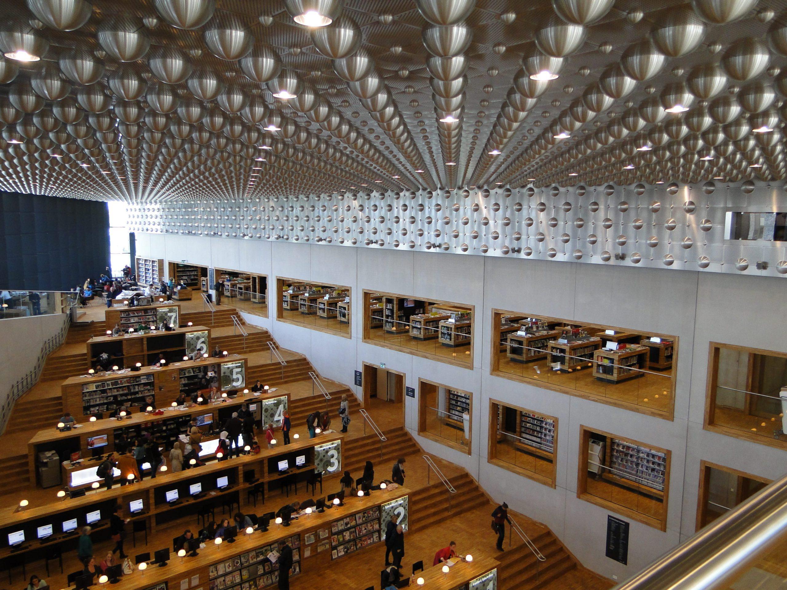 Bibliotheek in MFA Eemhuis Amersfoort