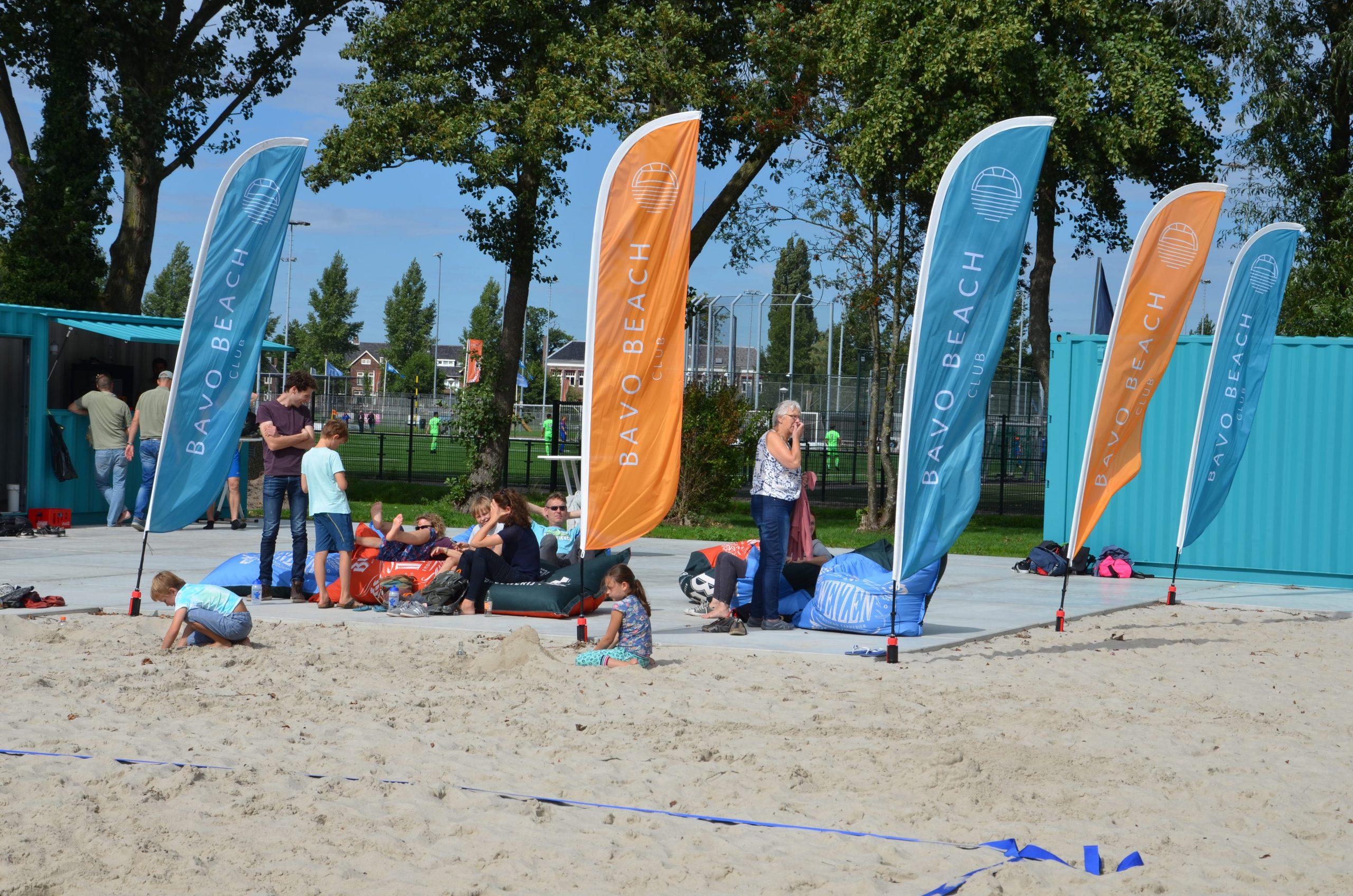 beachvolleybal aan het Spaarne in Haarmel